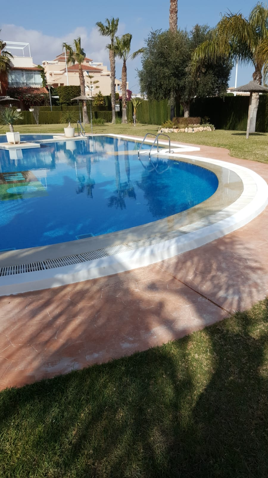 Répairing of pool edges
