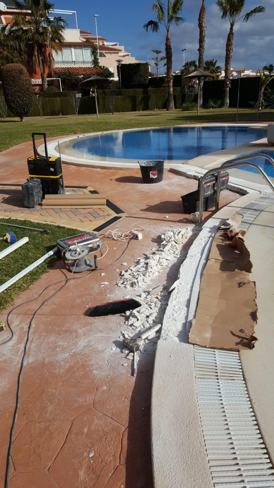 Repairing of the pool avant travaux